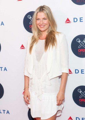 Ali Larter - 2nd Annual Delta OPEN Mic With Serena Williams in NYC