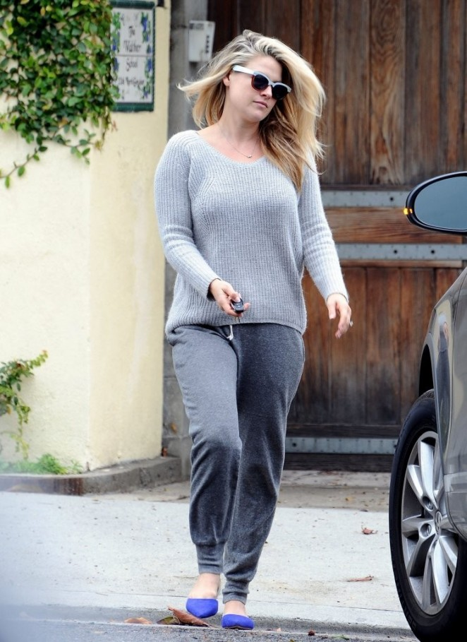 Ali Larter in Grey Sweatpants out in LA
