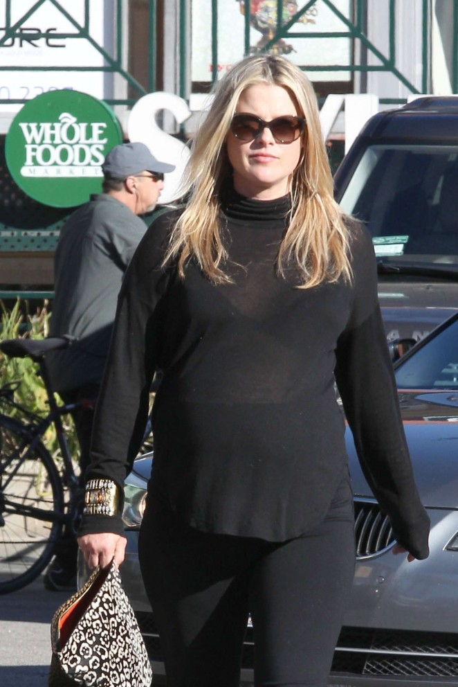 Pregnant Ali Larter - Leaving Whole Foods in West Hollywood