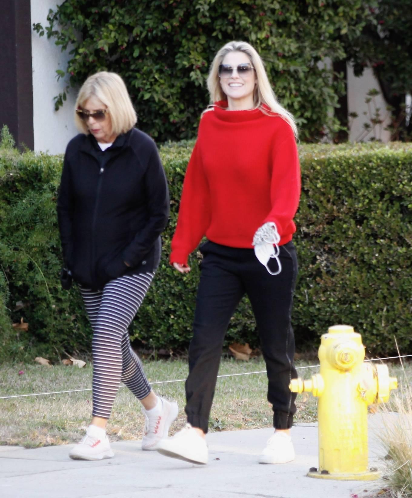 Ali Larter - Seen with her mother in Santa Monica