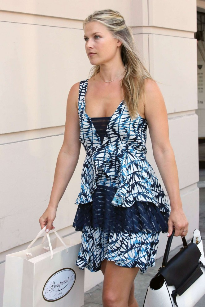 Ali Larter - Shopping in Beverly Hills