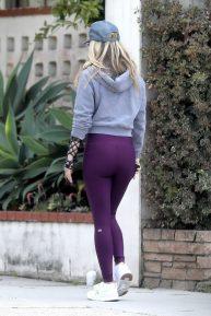 Ali Larter - Stroll through her LA neighborhood
