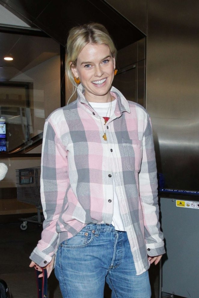 Alice Eve - Arrives at LAX airport in Los Angeles