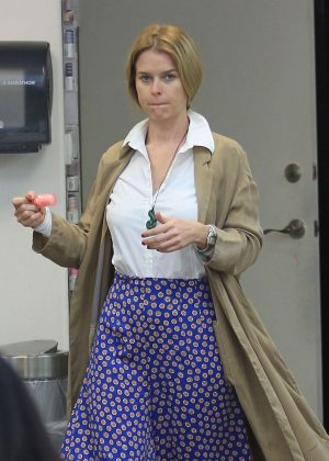 Alice Eve at a Nail Salon in Beverly Hills