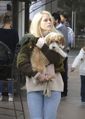 Alice Eve - Goes shopping at The Grove on Christmas Eve