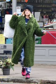 Alice Eve in Green Fur Coat - Out in Notting Hill