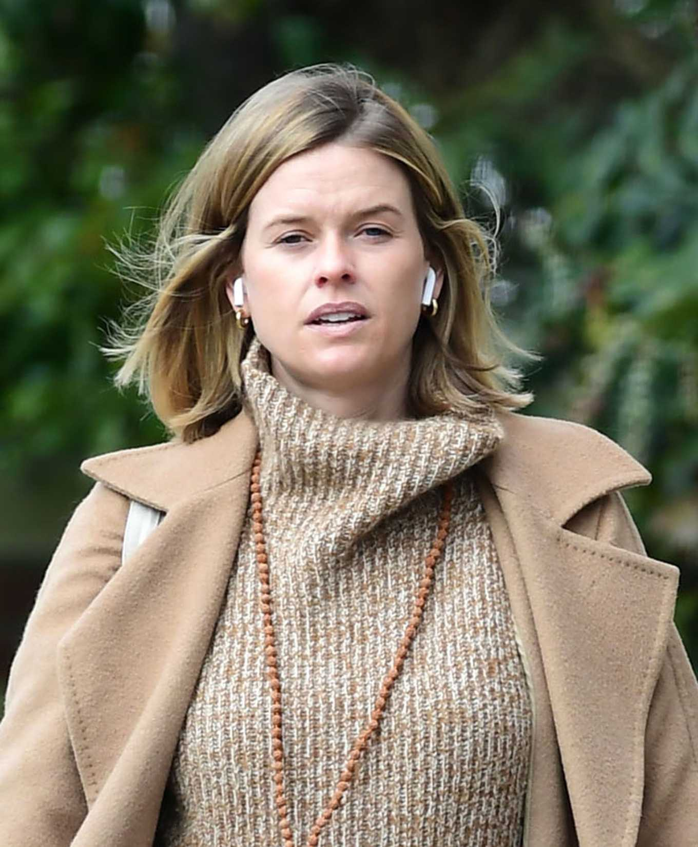 Alice Eve out and about in London during the Coronavirus lockdown