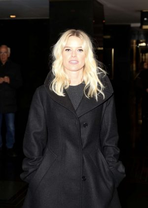 Alice Eve - Out in New York