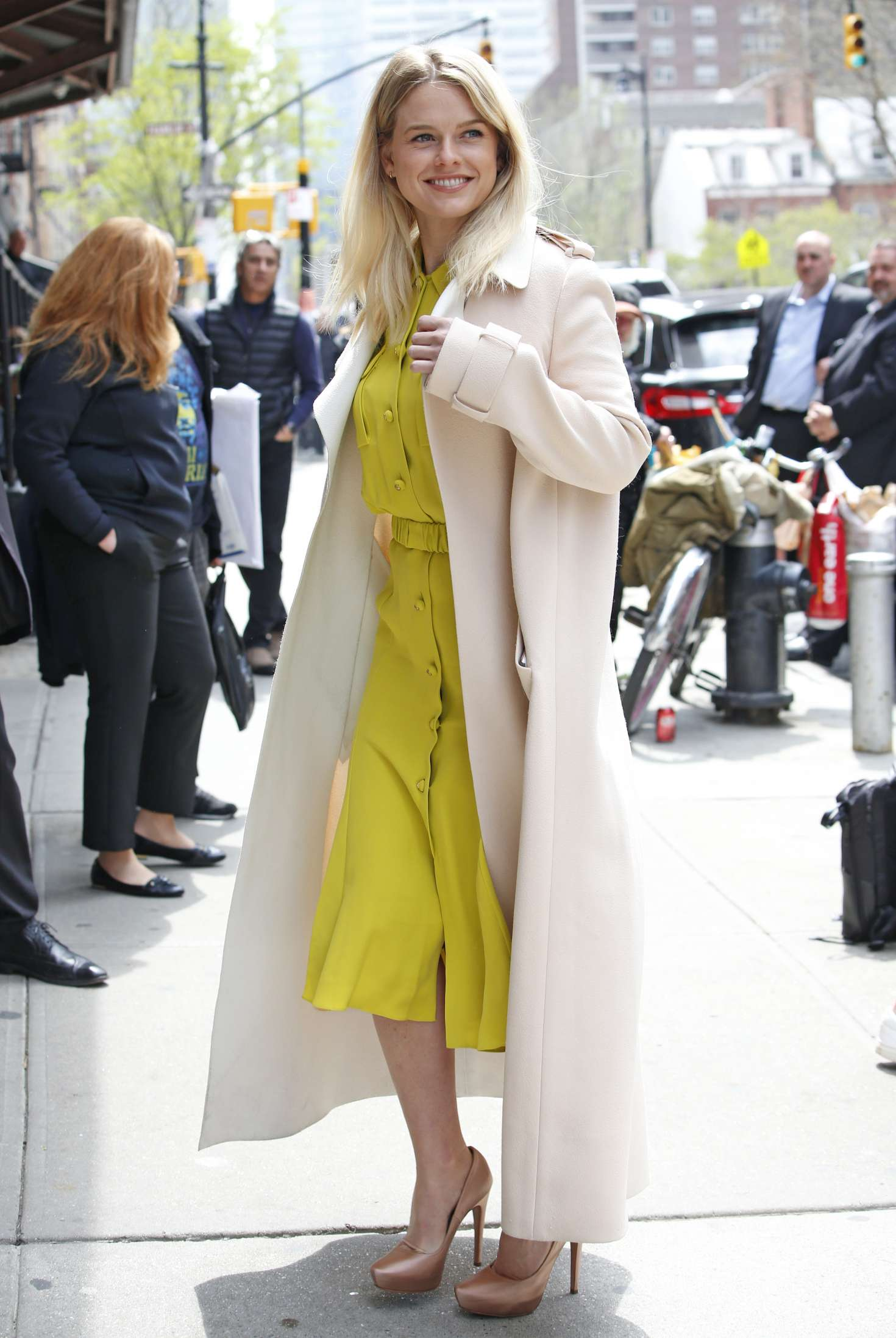 Alice Eve – Seen at Greenwich Hotel in New York City   Alice-Eve:-Seen-at-Greenwich-Hotel-in-New-York-City-04