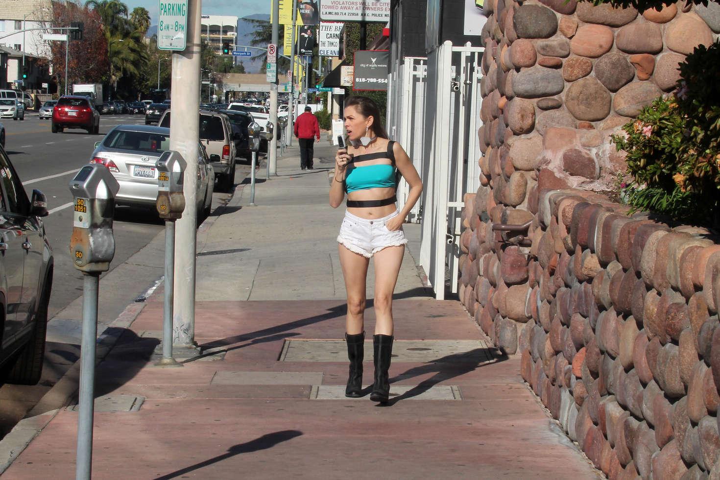 Alicia Arden 2016 : Alicia Arden in Jeans Shorts -04