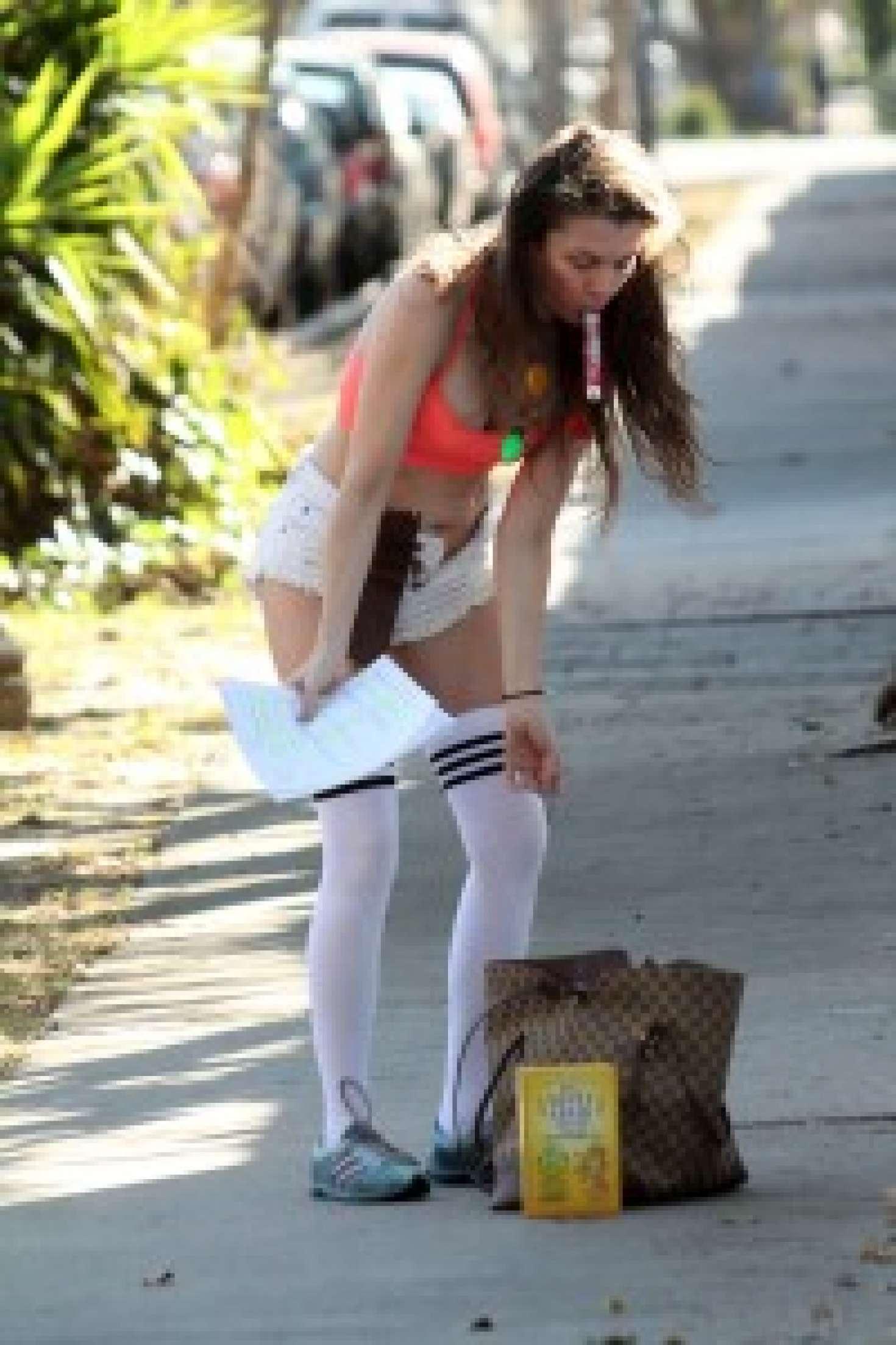 Alicia Arden 2017 : Alicia Arden in Short Shorts -04