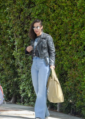 Alicia Keys in Jeans Leaves her hotel in West Hollywood