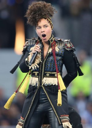 Alicia Keys - Performs at the UEFA Champions League final in Milan