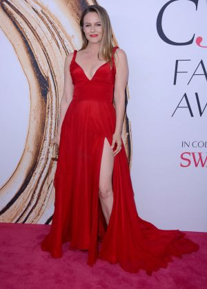 Alicia Silverstone - 2016 CFDA Fashion Awards in New York