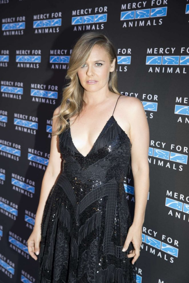 Alicia Silverstone - 2018 Mercy for Animals Gala in Los Angeles