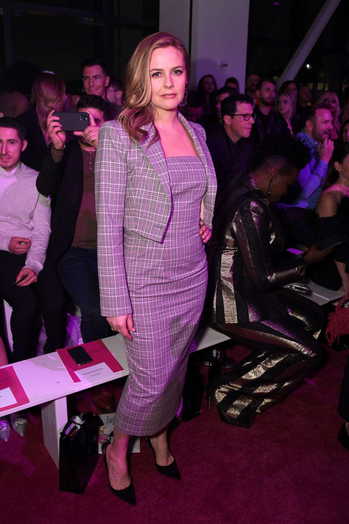 Alicia Silverstone 2020 : Alicia Silverstone – Christian Siriano Show at New York Fashion Week 2020-09