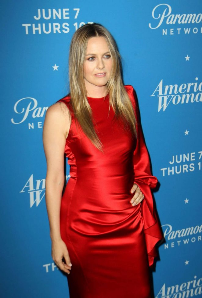 Alicia Silverstone - Photocall for American Woman Premiere Party In Los Angeles