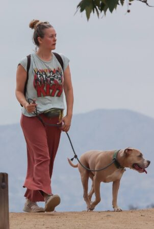 Alicia Silverstone - Steps out for a hiking with her dog in Hollywood Hills