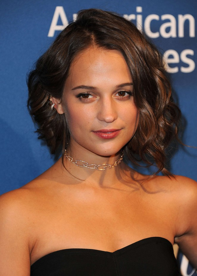 Alicia Vikander: 2016 The Hollywood Reporters Nominees Night -14
