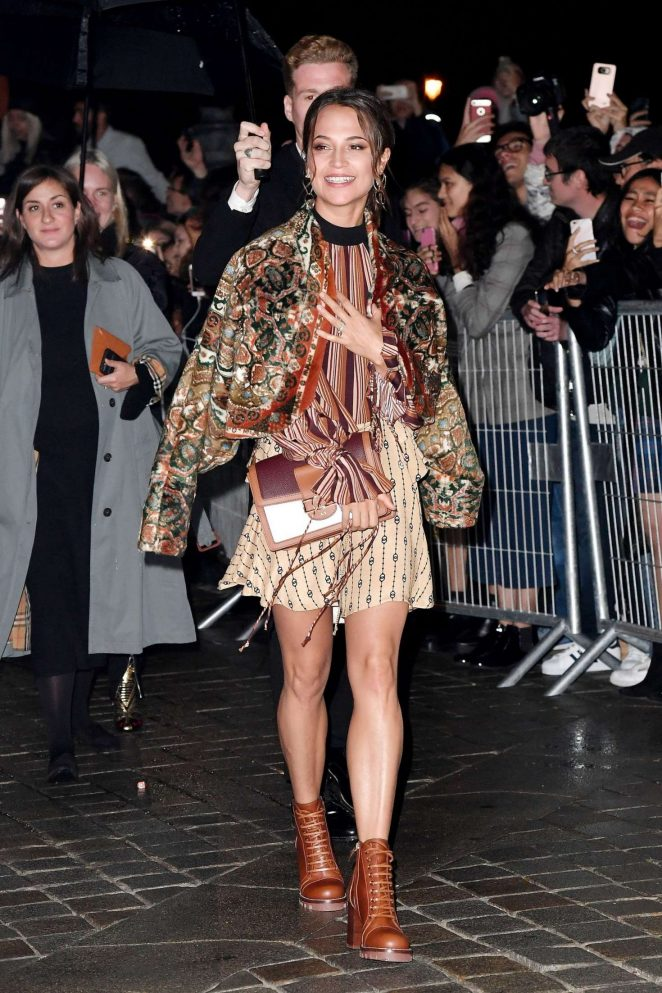 Alicia Vikander - Arrives at Louis Vuitton Fashion Show in Paris