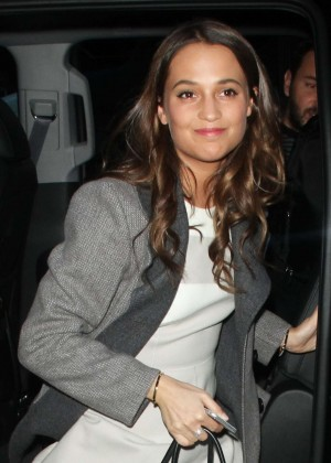 Alicia Vikander - Arriving to 'The Today show' in NYC