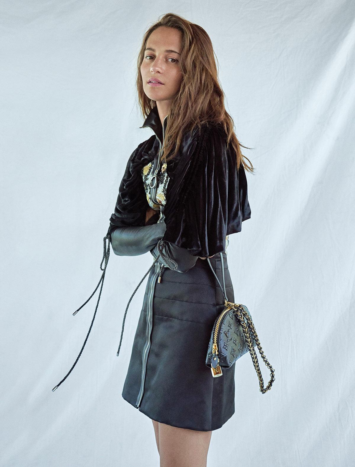 Alicia Vikander 2019 : Alicia Vikander – Elle Magazine (Korea – November 2019)-03