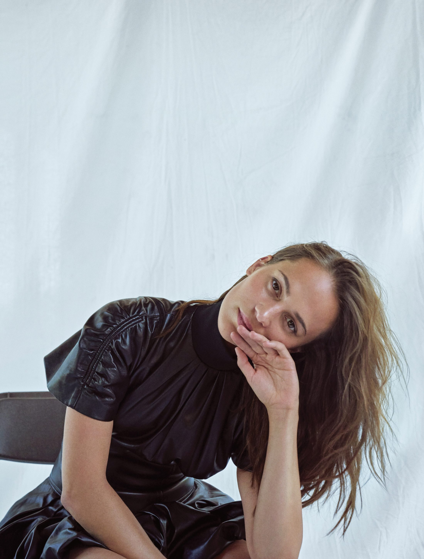 Alicia Vikander 2019 : Alicia Vikander – Elle Magazine (Korea – November 2019)-09