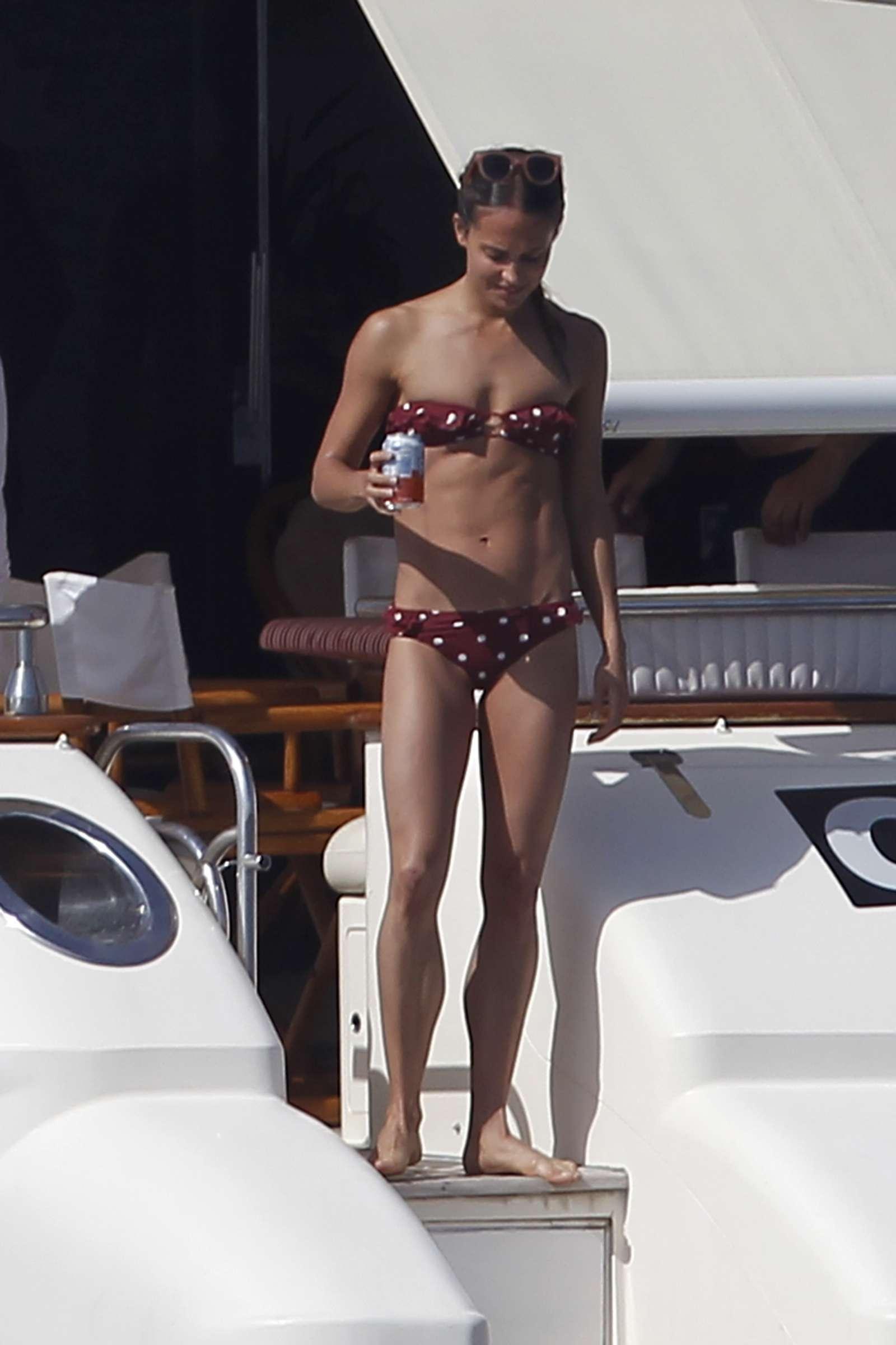 alicia vikander bikini