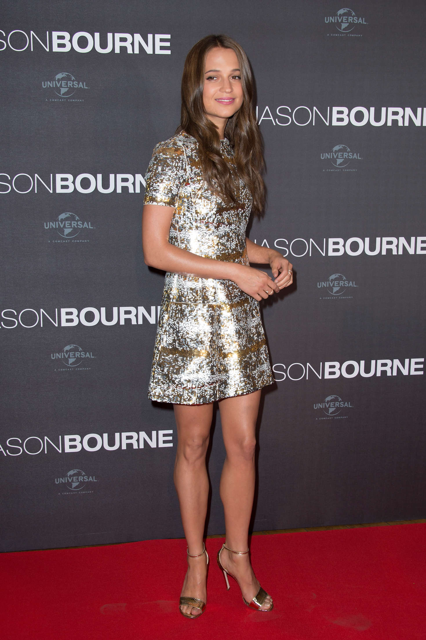 http://www.gotceleb.com/wp-content/uploads/photos/alicia-vikander/jason-bourne-premiere-in-paris/Alicia-Vikander:-Jason-Bourne-Premiere--07.jpg