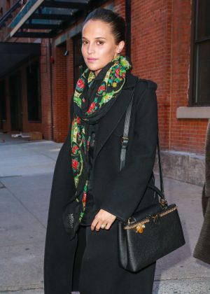 Alicia Vikander - Laving Highline Stages in New York