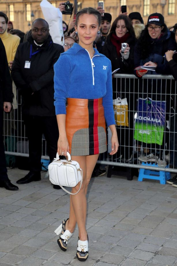 Alicia Vikander - Louis Vuitton Fashion Show at Paris Fashion Week 2020