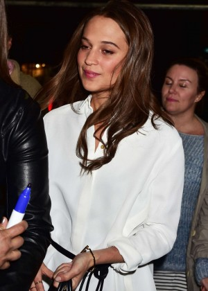 Alicia Vikander: Signing autographs in NYC-05