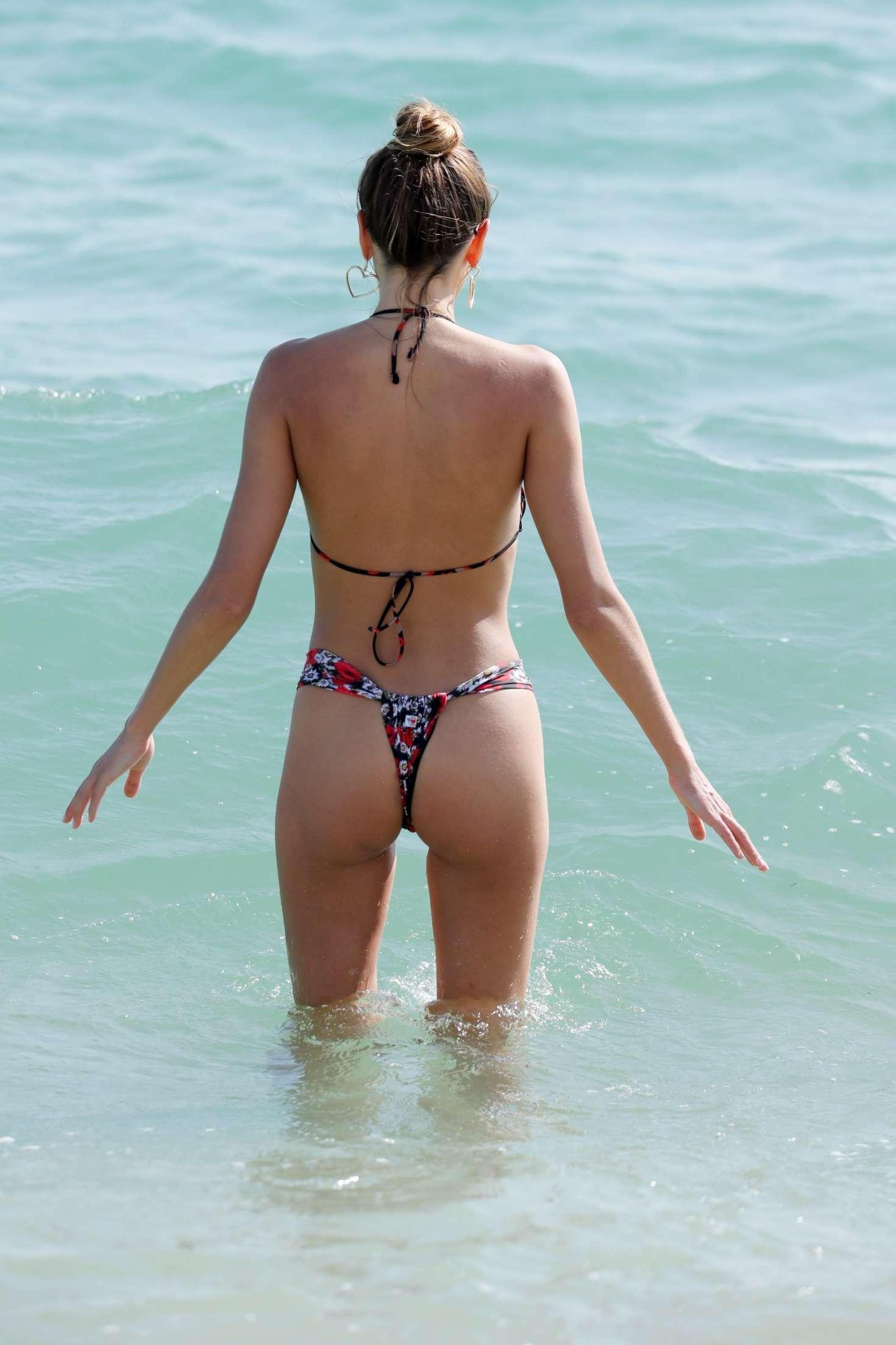 Alina Baikova Bikini Candids in Miami Pic 8 of 35