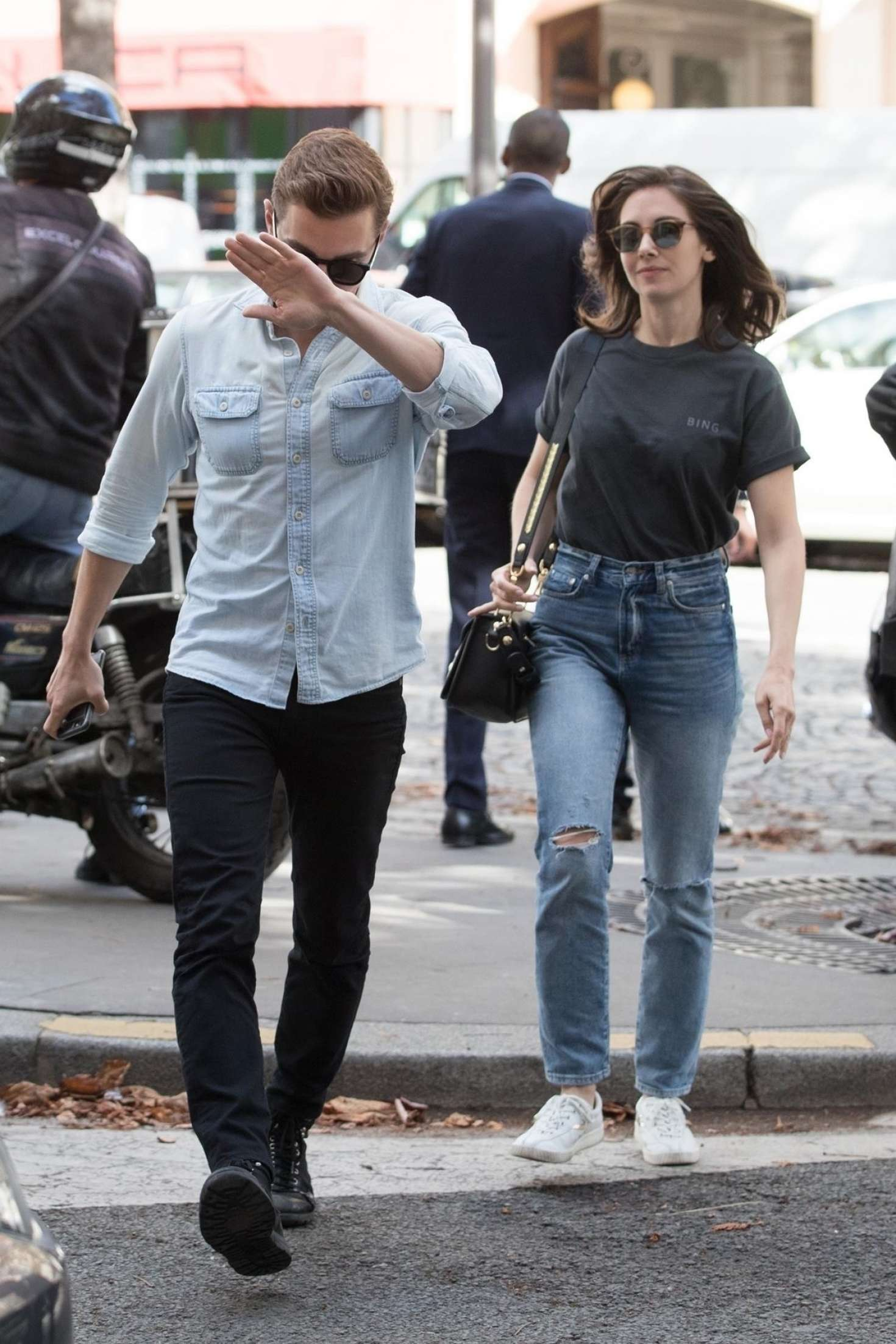 Alison Brie 2018 : Alison Brie and Dave Franco: Arrive in Paris -03