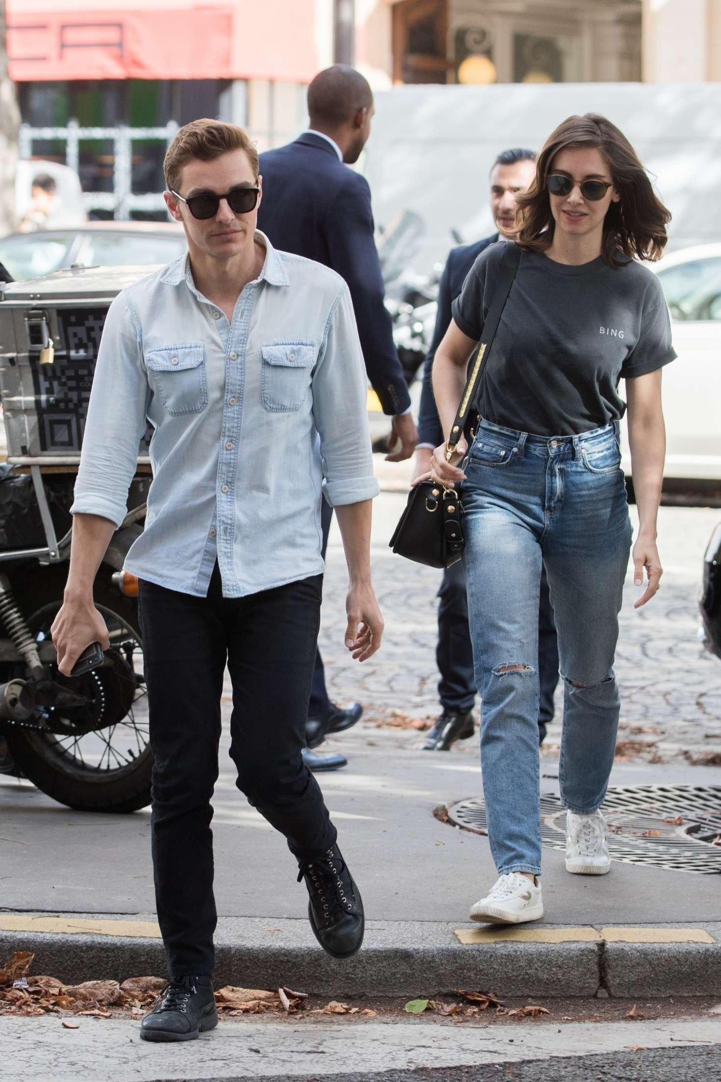 Alison Brie 2018 : Alison Brie and Dave Franco: Arrive in Paris -05