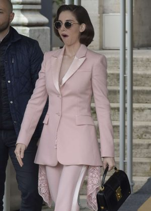 Alison Brie - Leaving her hotel in Rome