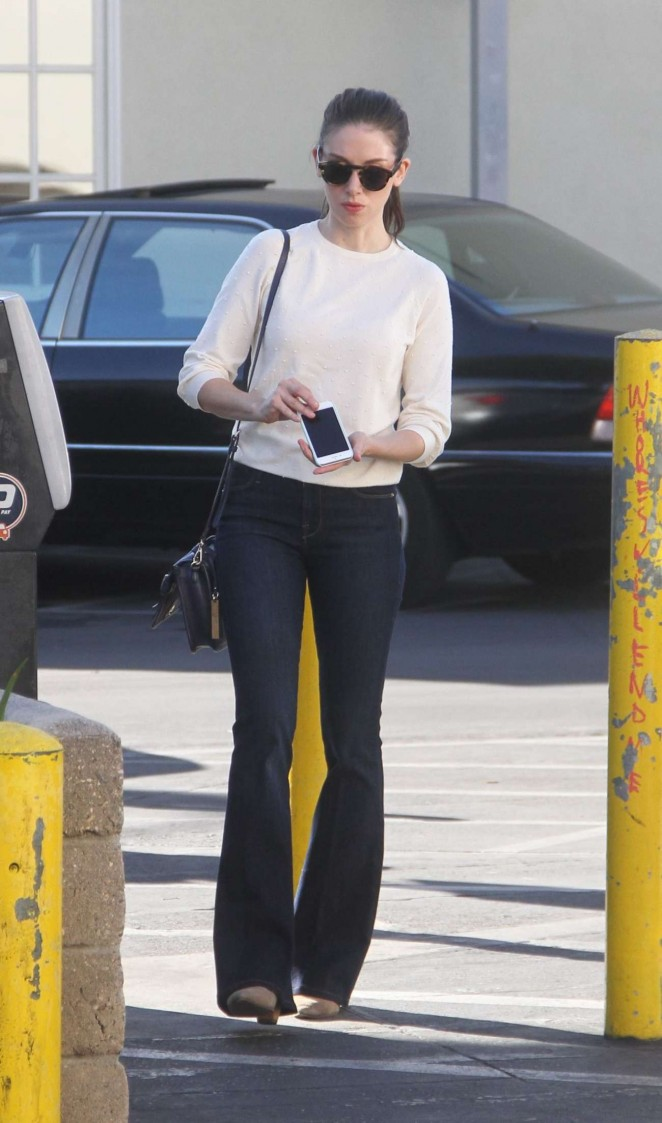 Alison Brie - Shopping in Los Angeles