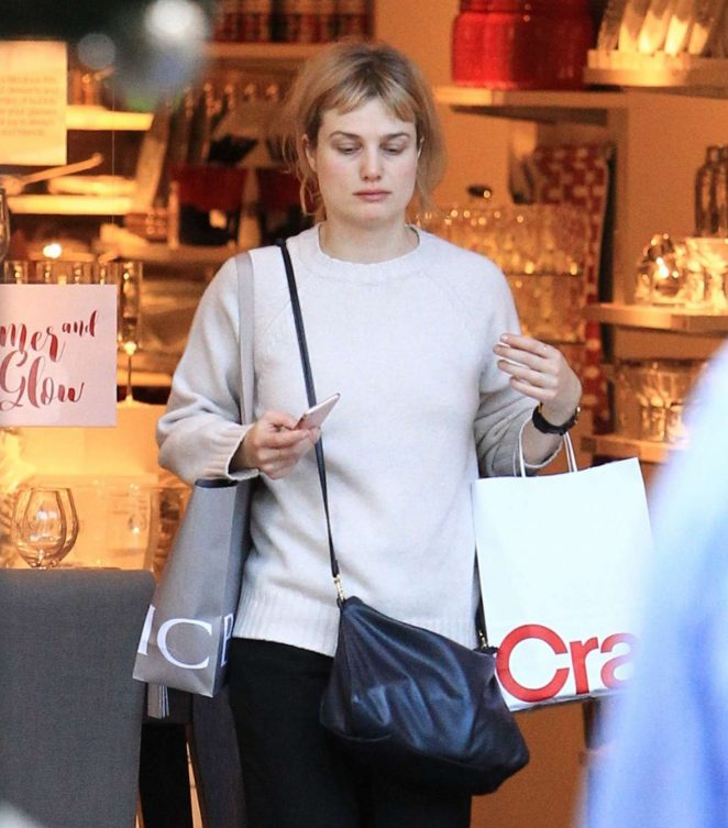 Alison Sudol Shopping at the Grove in Los Angeles