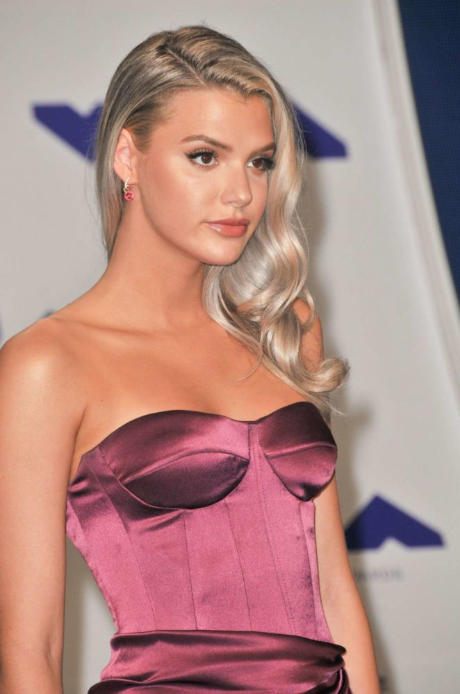 Alissa Violet - MTV 2017 Video Music Awards in Los Angeles