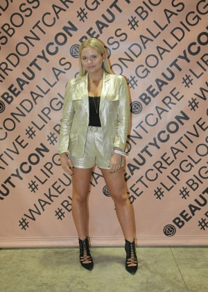 Alli Simpson - 2nd Annual Beautycon Festival in Dallas