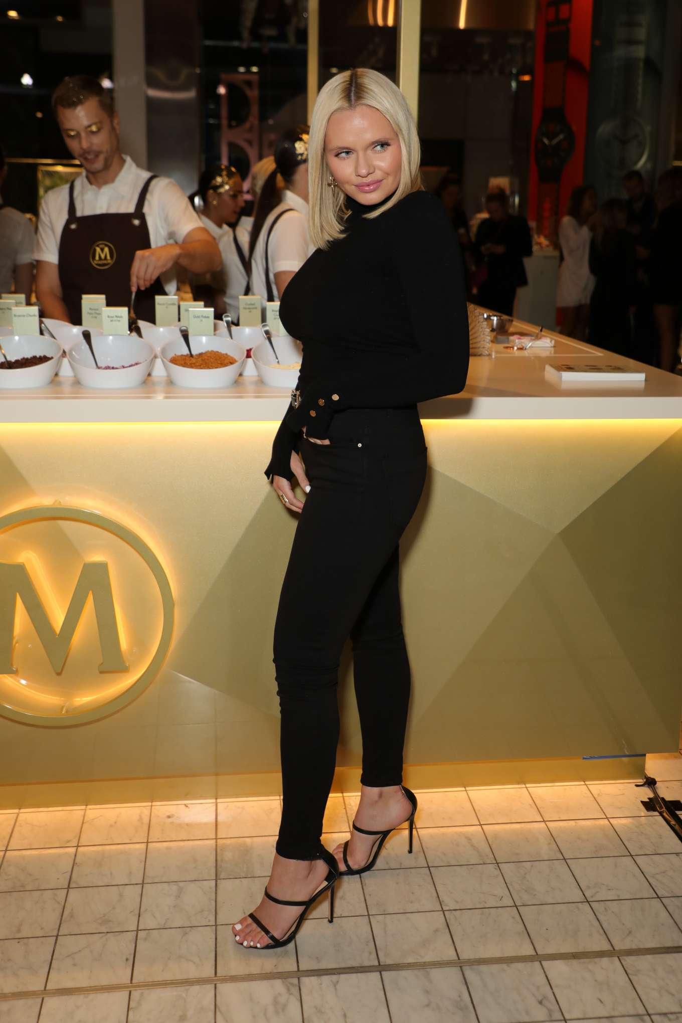 Alli Simpson - Magnum Pleasure Store Opening in Sydney