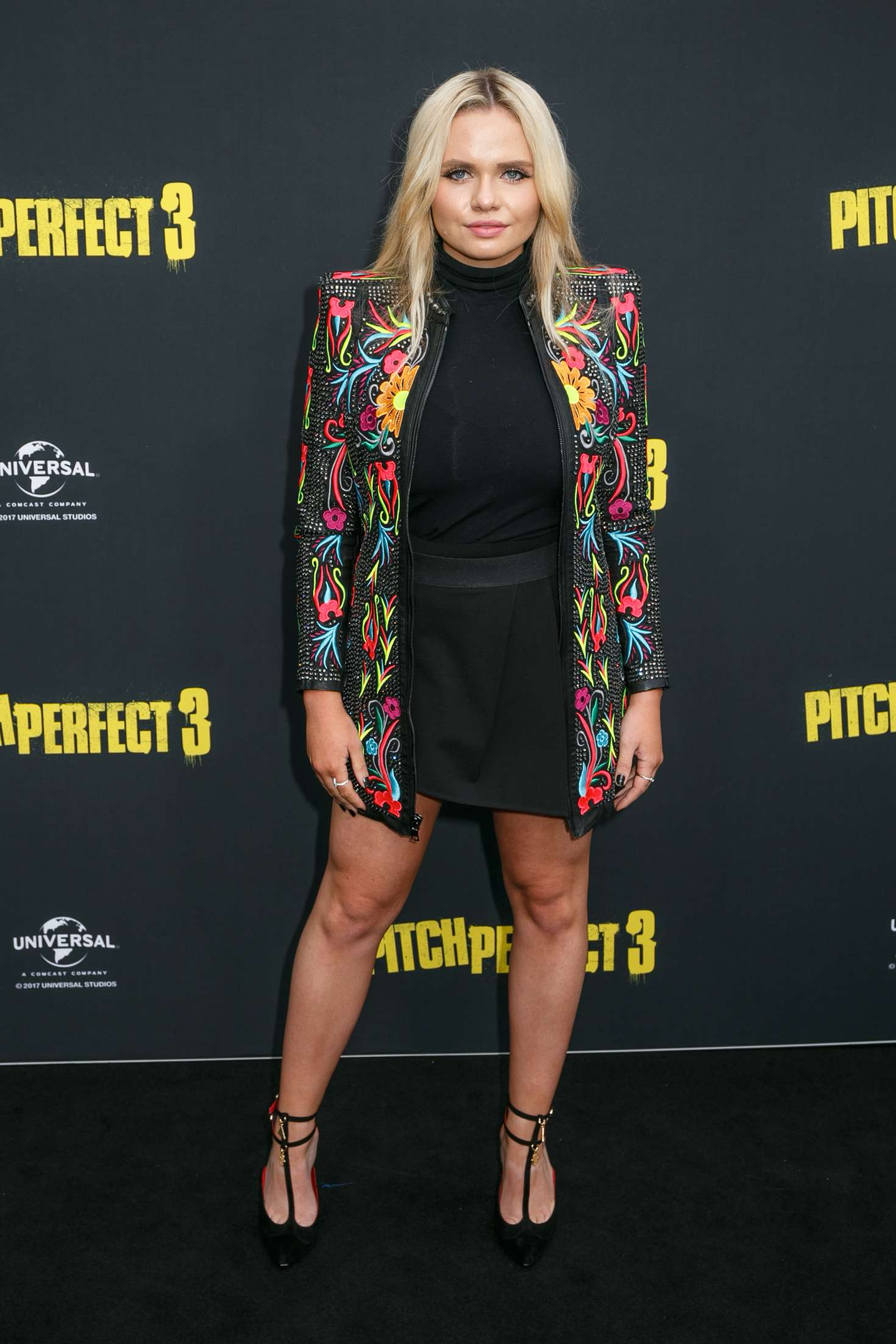 Alli Simpson 2017 : Alli Simpson: Pitch Perfect 3 Premiere in Sydney -02