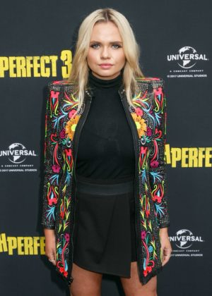 Alli Simpson - 'Pitch Perfect 3' Premiere in Sydney