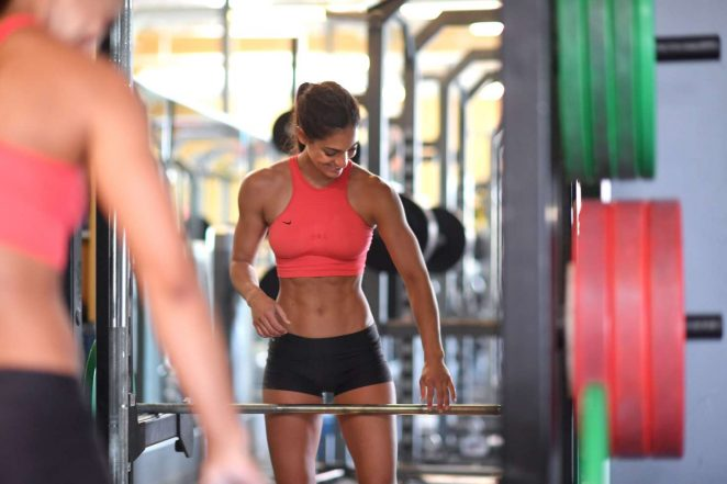 Allison Stokke working out