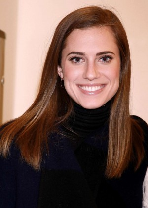 "Allison Williams - ""Beautiful: The Carole King Musical"" in NY"