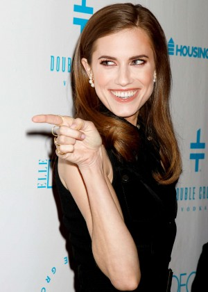 Allison Williams - Housing Works 2015 Groundbreaker Awards Dinner in NYC