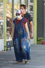 Alyson Hannigan and Alexis Denisof - Spotted shopping at Ace Hardware