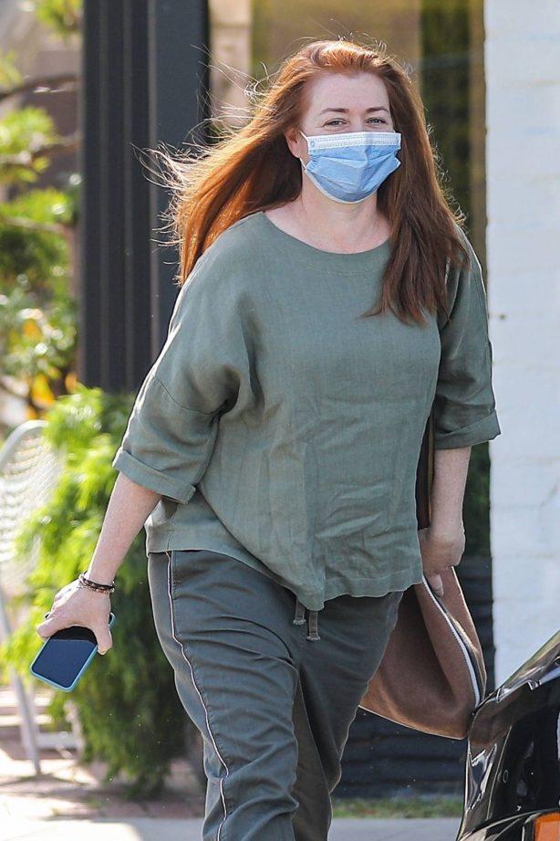 Alyson Hannigan - Visiting a salon in Beverly Hills