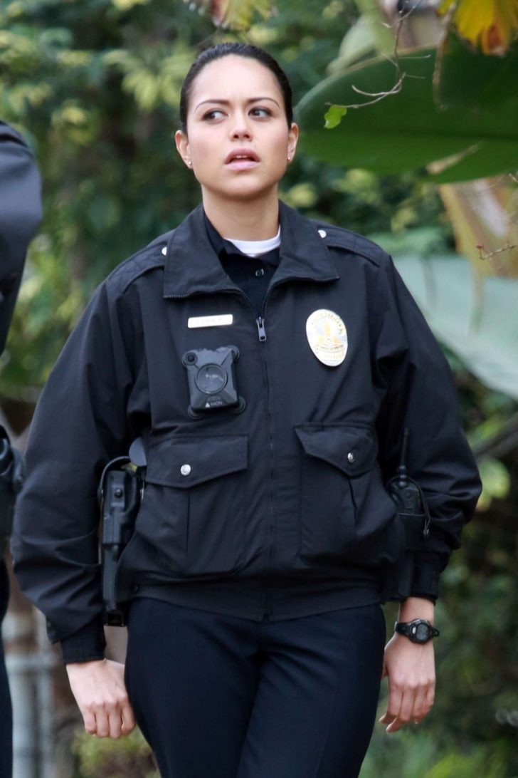 Alyssa Diaz - Films a scene for 'The Rookie' in Los Angeles