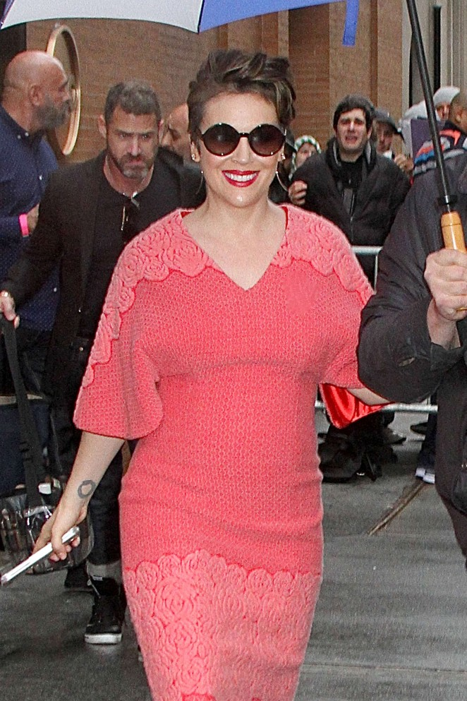 Alyssa Milano - Leaving The View in New York